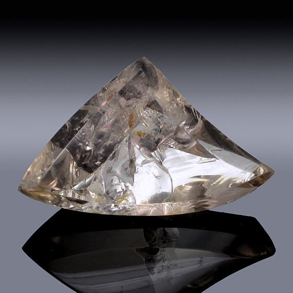 82.17ct Quartz Crystal 42mm x 26mm x 16mm-82.17ct-30